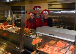 Joint Base leadership serves Thanksgiving meal to service members