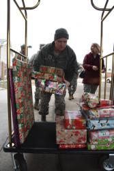 North Dakota National Guard members bring gifts to veterans